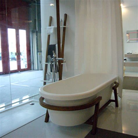 Decorating trend, living, wood in the bathroom | Hansgrohe UK
